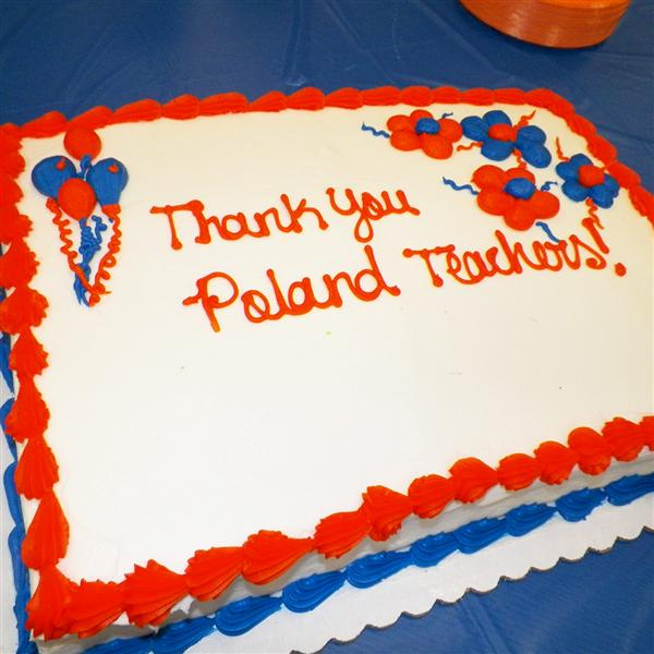 A cake congratulating Poland elementary teachers for their hard work